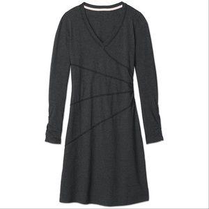 Athleta Sunburst Longsleeve Vneck Dress (medium)